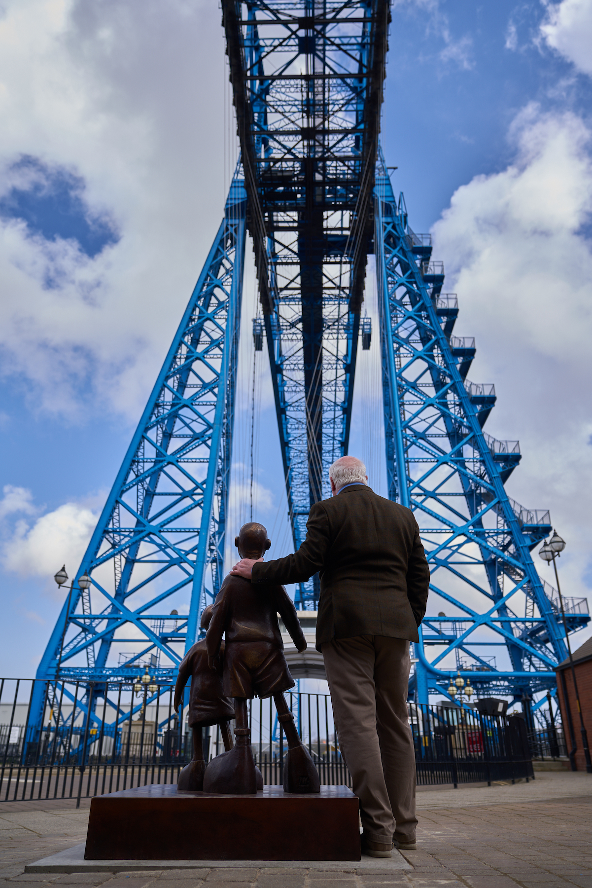 Mackenzie Thorpe Transporter Bridge - credit Topher McGrillis
